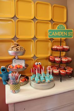 The Elmo Birthday Party | Betchacanteatjustone's Blog