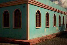 A sede da primeira prefeitura de Boa Vista, conhecida como Intendência, foi reconstruída, em 1996 e, atualmente, seu estilo neoclássico de tons esverdeados é um dos destaques do pequeno centro histórico da cidade MAIS Eduardo Vessoni/UOL