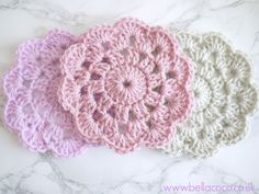 Create your own crochet coasters using this easy to read written pattern, or follow along the easy tutorial. Suitable for beginners. Designed by Bella Coco