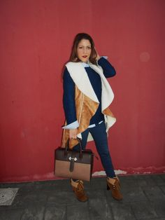Camel & Blue - Temporada: Otoño-Invierno - Tags: Moda, Outfit, Look, Fashion blogger, Sammydress, Tendencias, - Descripción: Look cómodo y calentito en tonos camel y azul. #FashionOlé