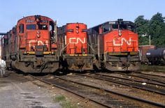 1986 08 30 1 CN 2042 1786 2108 Dartmouth NS (waldronyoung) Tags: cn train ns halifax dartmouth 2042 1786 2108 m630 hr616 rsc17