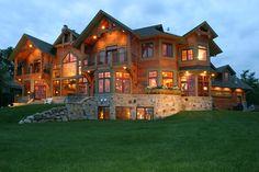 Custom lake home built by Lecy Bros. Homes of Minnesota.
