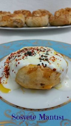 Sosyete Mantısı High Ravioli Mince Pies Rose Puff This evening I have a delicious recipe. Healthy Casserole Recipes, Vegetarian Recipes, Healthy Recipes, Mince Pies, Best Breakfast Recipes, Brunch Recipes, Pastry Recipes, Baking Recipes, Chicken Tender Recipes