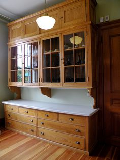 All you need is to adapt the kitchen pantry closet design ideas we are about to show you, and you will be set for having the best pantry you know you need. Old Kitchen, Kitchen Redo, Kitchen Pantry, Country Kitchen, Kitchen Remodel, Antique Kitchen Cabinets, Kitchen Ideas, Pantry Closet, Pantry Storage Cabinet
