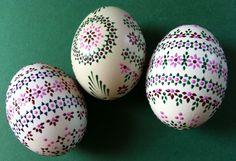 Carved Eggs, Art Carved, Egg Tree, Easter Egg Designs, Ukrainian Easter Eggs, Easter Egg Crafts, Faberge Eggs, Egg Decorating, Diy And Crafts