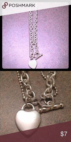 Cute Necklace! Silver necklace like new never worn. Aeropostale Jewelry Necklaces