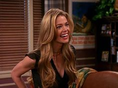 (Denise Richards) I freaking love her hair 90s Hairstyles, Haircuts For Long Hair, Hairstyles With Bangs, 90s Haircuts, Brunette Hairstyles, Straight Hairstyles, Hair Inspo, Hair Inspiration, Medium Hair Styles