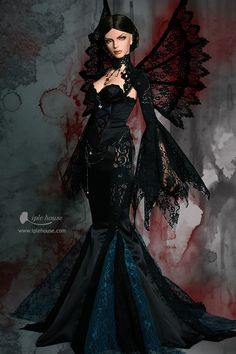 Lolita Cosplay, Victorian Costume, Victorian Dolls, Beautiful Barbie Dolls, Pretty Dolls, Gothic Girls, Girl Costumes, Costumes For Women, Vintage Barbie