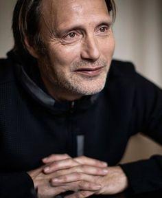 Hannibal Tv Series, Viggo Mortensen, Hannibal Lecter, Hugh Dancy, Jude Law, Elegant Man, Gary Oldman, Famous Stars, Aidan Turner
