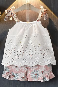 Dresses Kids Girl, Little Girl Outfits, Toddler Outfits, Kids Outfits, Baby Clothes Patterns, Baby Patterns, Clothing Patterns, Short Niña, Cute Boutiques