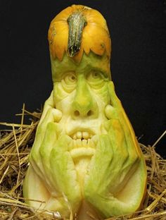30 Amazing Pumpkin Carvings