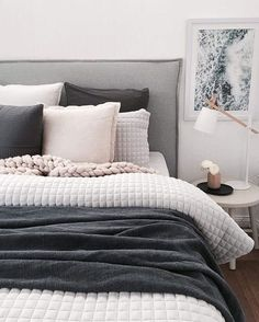 13 Cool Gray Bedroom Ideas to Your Bedroom - Bedroom Design Tumblr Room Decor, Tumblr Rooms, Gray Bedroom, Home Decor Bedroom, Bedroom Ideas, Modern Bedroom, Bedroom Wall, Bedroom Benches, Gray Bedding