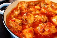 Pollo al Chilindron (chicken with peppers and tomatoes) - Spice Mountain Mexican Food Recipes, Healthy Recipes, Ethnic Recipes, Healthy Food, Meet Recipe, Pollo Guisado, Chicken Stuffed Peppers, How To Cook Quinoa, Tapas