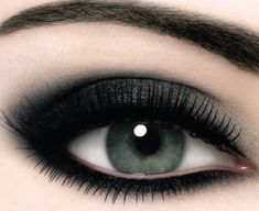 Cómo hacer uno maquillaje ahumado en 3 minutos   Cuidar de tu belleza es facilisimo.com