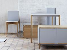 Flat-pack furniture assembled with magnets by Benjamin Vermeulen. See more movies at www.dezeen.com/movies.  This range of flat-packed furni...