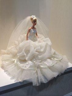 Wedding Doll, Barbie Wedding, Barbie Gowns, Doll Clothes Barbie, Wedding Attire, Wedding Gowns, Barbie Swan Lake, Pink Dress, Flower Girl Dresses