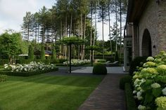Formal white and green garden