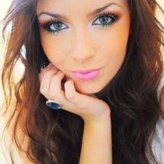 Smokey eyes and hot pink lips. Great Make-up