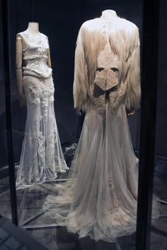 Dresses designed by Ricardo Tisci for Givechy inspired on Mexican painter Frida Khalo are exhibited at her museum in Mexico City. Diego Rivera Frida Kahlo, Frida And Diego, Mexican Themed Weddings, Theatre Costumes, Italian Fashion Designers, Couture Dresses, Designer Dresses, Cool Outfits, Style Inspiration