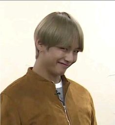 """""""jimin: bro you know what would be cool taehyung: what bro jimin: maybe if two bros realised they were in love and started dating taehyung: that would be cool bro jimin: bro taehyung: bro"""" Jimin, Jhope, Namjoon, Bts Meme Faces, Funny Faces, V Taehyung, Kim Taehyung Funny, Jung Kook, Bts Reactions"""