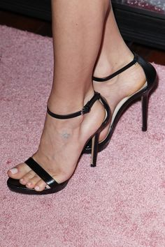 Kristin Cavallari's Feet << wikiFeet
