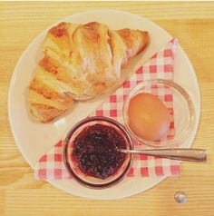 Wake up to the smell of warm croissants & jam @ mama's.
