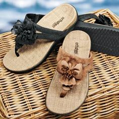 4d2dda15d07a Love that these sandals are stylish and supportive! Solutions.com  Orthopedic Shoes