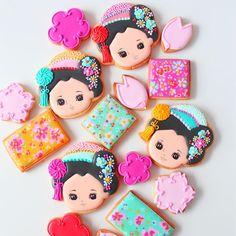"""922 Likes, 27 Comments - Y&Csweets Yohko (@yohko_ycsweets) on Instagram: """"Japanese art design cookies 先日のあさイチの""""舞妓さんアイシングクッキー"""" 出演者さま、スタッフのみなさんにもとっても好評でした…"""""""
