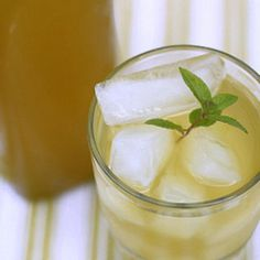 I Quit Sugar - Iced Lemongrass + Ginger Zing