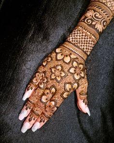 Bridal Henna Mehndi Designs for Full Hands Henna Hand Designs, Mehndi Designs Finger, Floral Henna Designs, Latest Arabic Mehndi Designs, Mehndi Designs For Girls, Mehndi Designs For Beginners, Stylish Mehndi Designs, Mehndi Design Photos, Mehndi Designs For Fingers