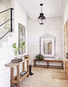 Magical Answers to Chip and Joanna Gaines Farmhouse Fixer Upper Exposed - ho. Magical Answers to Chip and Joanna Gaines Farmhouse Fixer Upper Exposed - homeknicknack. Farmhouse Remodel, Farmhouse Interior, Country Farmhouse Decor, Farmhouse Stairs, Country Modern Decor, Farmhouse Flooring, Farmhouse Front, Modern Farmhouse Style, Rustic Style