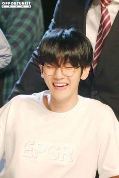 160629 Baekhyun @ Goobne Chicken Fansign