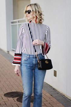 Have you ever wondered when to tuck and not tuck your shirt plus how? This post is your guide to the front tuck, full tuck, tie, and leaving untucked! Casual Outfits, Fashion Outfits, Fashion Tips, Fashion Ideas, Women's Fashion, Fashion Capsule, Fashion Hacks, Simple Outfits, Fashion Clothes