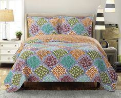 Dahlia Oversize King/California King Luxury Coverlet set, Wrinkle Free Printed Bedspread Set, Reversible Quilt Includes One Bedspred & Two Shams Dahlia, King Quilt Bedding, Comforter, Bed Quilts, Twin Xl Bedding Sets, Floral Bedspread, Quilt Sets Queen, Quilted Bedspreads, Bed Spreads