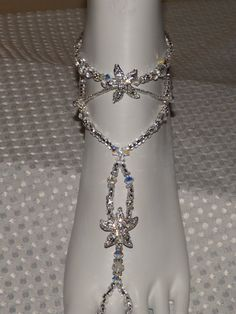 SALE 10 % OFF Swarovski Starfish Foot jewelry por SubtleExpressions