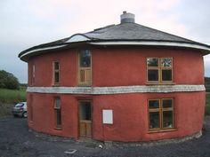 Erstes lasttragende Strohballenhaus