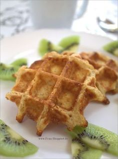 For babies and toddlers: apple semolina waffles without sugar- Für Babys und Kleinkinder: Apfel-Grieß Waffeln ohne Zucker For babies and toddlers: apple semolina waffles without sugar - Toddler Meals, Kids Meals, Baby Snacks, Baby Finger Foods, Yummy Food, Tasty, Homemade Baby Foods, Beignets, Baby Food Recipes