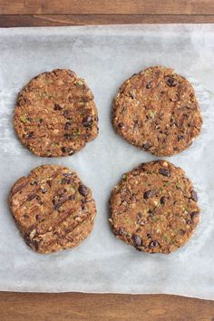 The BEST Black Bean Burgers with chipotle mayo sauce. Black Bean Burgers, Black Bean Veggie Burger, Black Burger, Chipotle Mayo, Burger Recipes, Vegan Recipes, Cooking Recipes, Vegan Ideas, Vegan Blog