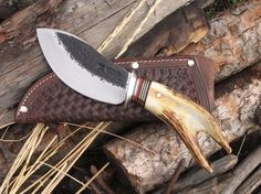 Behring Made Knives makes beautiful custom (completely handmade) hand forged scagel style knives, swords and axes using only the best grade steel and materials available. Made in the USA. Cool Knives, Knives And Tools, Knives And Swords, Blacksmithing Knives, Bushcraft Knives, Messer Diy, Antler Knife, Hand Forged Knife, Diy Knife