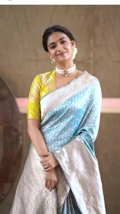 Pattu Saree Blouse Designs, Saree Blouse Patterns, Stylish Blouse Design, Fancy Blouse Designs, Look Fashion, Indian Fashion, Fashion Edgy, Fashion 2018, Fashion Spring