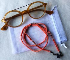 Necklace for your glasses handmade in metallic colors. Metal Models, Metallic Colors, Organza Bags, Natural Materials, Different Styles, Special Gifts, Mother Day Gifts, Glass Beads, Etsy