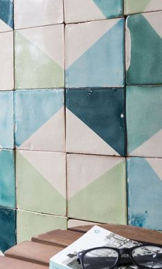 The Design Edit: 10 Gorgeous Room-Transforming Tiles Wall Tiles Design, Bathroom Tile Designs, Tile Art, Hexagon Tiles, Mosaic Tiles, Cement Tiles, Geometric Tiles, Made A Mano, Splashback Tiles