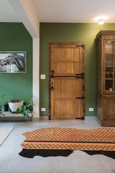 Open House Bruna Lucchesi | Casa de Valentina Gazebo, Open House, Entryway Bench, House Tours, Living Room Designs, Tall Cabinet Storage, Sweet Home, Exterior, Doors