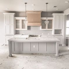 This kitchen is just beautiful! ❤ We would love to cook everyday in here! 🍳 TAG a friend who will love this kitchen! Kitchen Island Decor, Modern Kitchen Island, Kitchen Redo, Home Decor Kitchen, Kitchen Interior, New Kitchen, Home Kitchens, Kitchen Remodel, Kitchen Design
