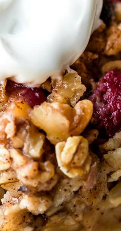 Start your day with this satisfying and healthy baked oatmeal recipe! Prepared in 1 bowl, this oatmeal casserole can be made ahead for a quick breakfast. High Protein Vegetarian Recipes, Low Carb Dinner Recipes, Best Breakfast Recipes, Vegan Recipes Easy, Brunch Recipes, Appetizer Recipes, Oatmeal Recipes, Delicious Recipes, Soup Recipes