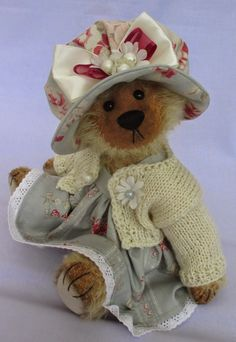 Cupboard Bears by Elizabeth Lloyd: Barley's looking for a home.....