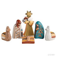 Traditional Peruvian Nativity - from Unique Nativity; a 6 piece hollow ceramic nativity scene with figures in traditional Peruvian dress; tallest piece is high Christmas Nativity Set, Noel Christmas, Christmas Countdown, Christmas Crafts, Simple Christmas, True Meaning Of Christmas, O Holy Night, Birth Of Jesus, Christmas Printables