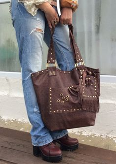 Items similar to Leather tote bag. Leather Bags Handmade, Best Bags, Brown Bags, Casual Bags, Vintage Shops, Soft Leather, Trending Outfits, Shoulder Bag, Tote Bag