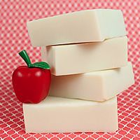 Teach Soap is the premier site for soap making tutorials, soap recipes, soap making tips and everything you'd want to know about making soap and other handcrafted products including lip balms, lotions, bath fizzies and much more.