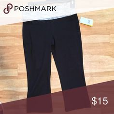 Everlast Workout Capris Brand new with tags! These have little to no stretch in the waistband so they fit pretty true to size. 15 inches wide at waistband and 27 inches long. Size Small Everlast Pants Capris